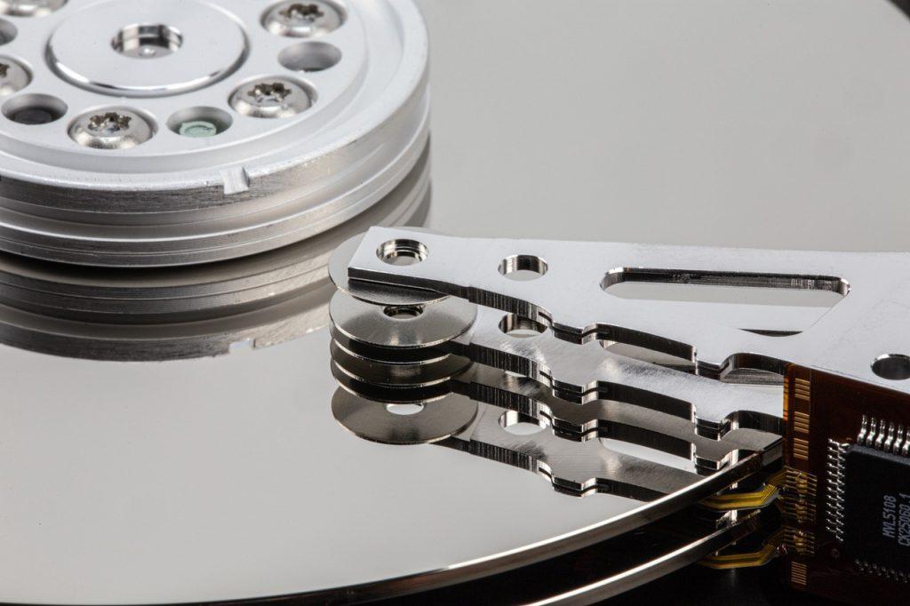 Hard Drive Inside Hard Disk  - RobVanDerMeijden / Pixabay